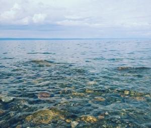 вода на Байкале, летний отдых на Байкале, гостевые дома в Байкальске